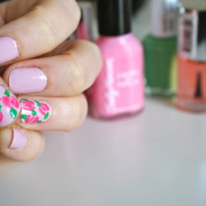 NOTD :: Essie & Floral